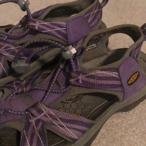 Practically New KEEN walking sandals Size 7